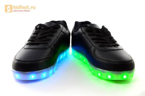 Светящиеся кроссовки с USB зарядкой Fashion (Фэшн) на шнурках, цвет черный, светится вся подошва. Изображение 10 из 27.