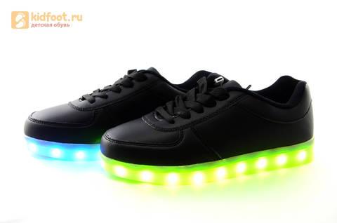 Светящиеся кроссовки с USB зарядкой Fashion (Фэшн) на шнурках, цвет черный, светится вся подошва. Изображение 17 из 27.