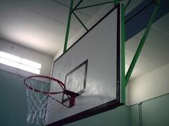 Щит баскетбольный игровой фанерный 18 мм, 1800х1050мм. на металлической раме.