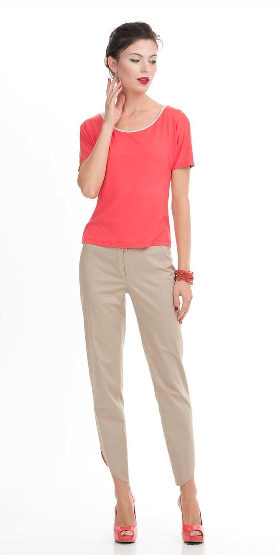 Т-шот М278-616 - Ярко-розовый Т-шот из вискозы разнообразит коллекцию одежды и сделает ваш день ярким и насыщенным. Эта базовая модель свободного кроя с белой вставкой по горловине удобная и женственная вещь на каждый день. Ярко-розовый цвет вещи придаст лицу свежесть. Создавайте с этим Т-шотом яркие образы с юбками, брюками, костюмами и жизнь заиграет новыми красками.