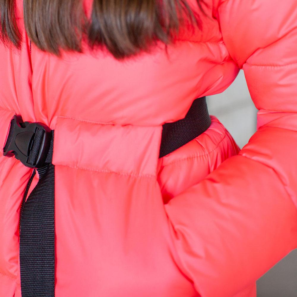 Подростковая зимняя куртка розового цвета на девочку