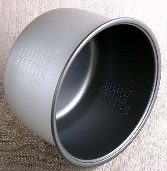 Чаша (кастрюля, емкость, чашка, запчасти, аксессуары, каструля, ковш, колба, ведро, ведерко, запасные части) SR-TMPN18 для мультиварки Panasonic SR-TMH18LTW, SR-TMH181HTW, SR-TMH182HTW, SR-TMJ181BTW, SR-TMB18 объемом 4.5 литра с угольным покрытием Bincho | Отзывы | Цена | Заказать | Доставка | Самовывоз | Почтой России | Наложенным платежом | в Санкт-Петербурге | Аксессуары | Запчасти | Запасная | Дополнительная | Съемная | со скидкой | Артикул ARE50T9341.