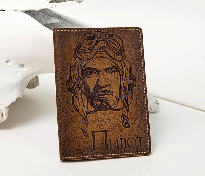 BY140214 Кожаная обложка на паспорт «Пилот»