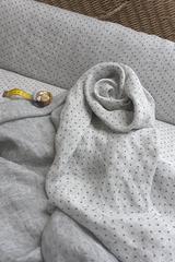 Смягченная льняная вуаль серый меланж + серый горошек.