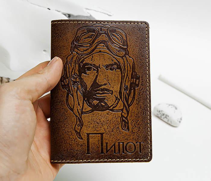 BY140214 Кожаная обложка на паспорт «Пилот» фото 05