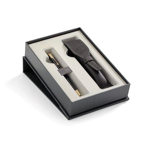 Набор с чехлом из натуральной кожи и Шариковой ручки Parker Sonnet , Lacquer Deep Black GT123