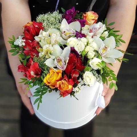 Коробка белая микс цветы 4