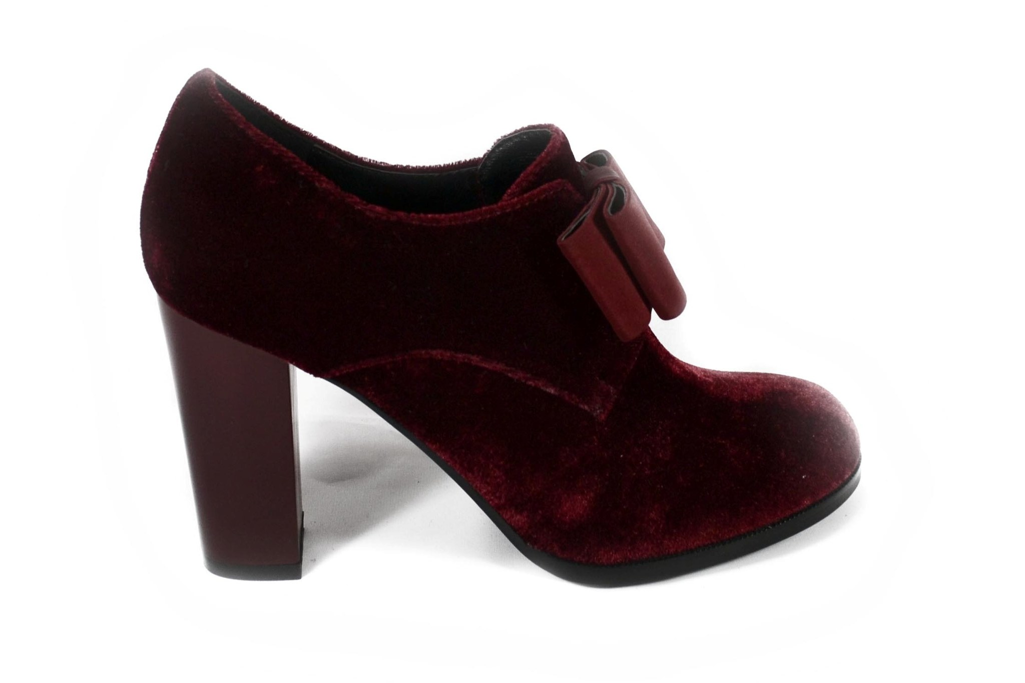 Бордовые туфли из текстиля на высоком каблуке