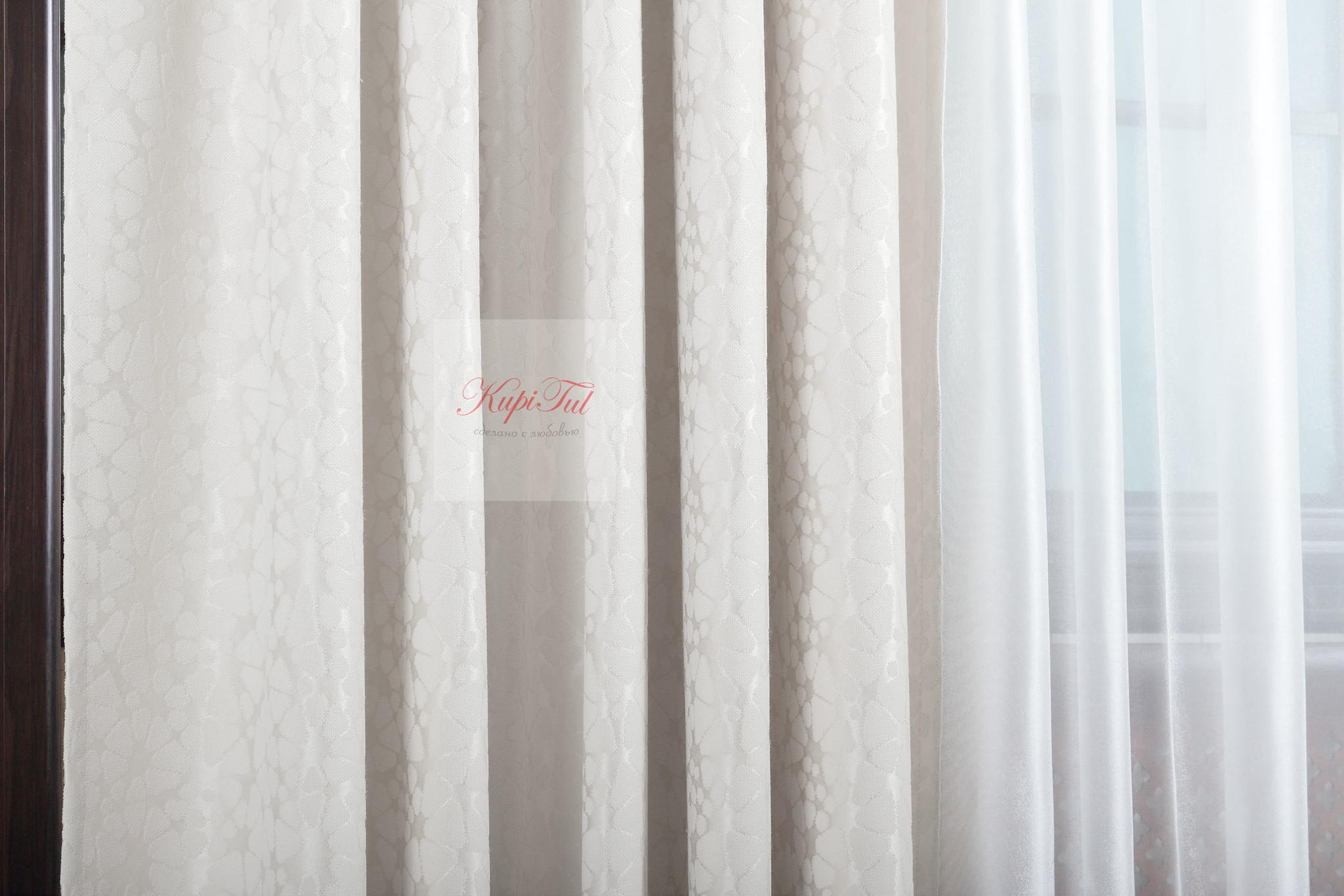 Комплект штор Лоран (молочный). Шторы из стриженного бархата.
