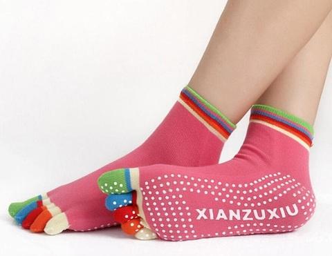 Нескользящие носки (35-39 р.) - Разноцветные пальцы, для йоги, батута, спорта