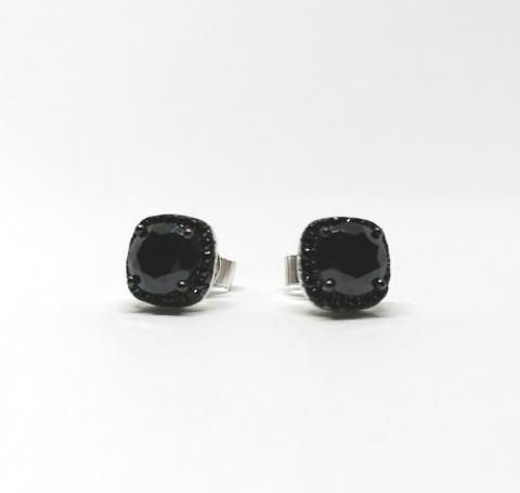 Пусеты CARATS из серебра с черными цирконами в  стиле Ko JEWELRY