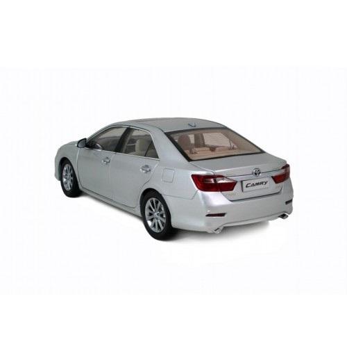 Коллекционная модель Toyota Camry XМ50 2012