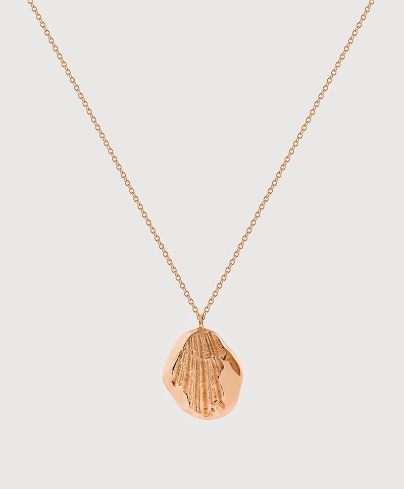 Серебряная средняя подвеска с золотым покрытием и отпечатком в форме ракушки