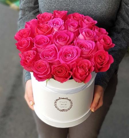 Коробка с малиновой розой