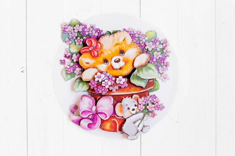 Медвежонок с цветами - готовая работа, фронтальный вид.