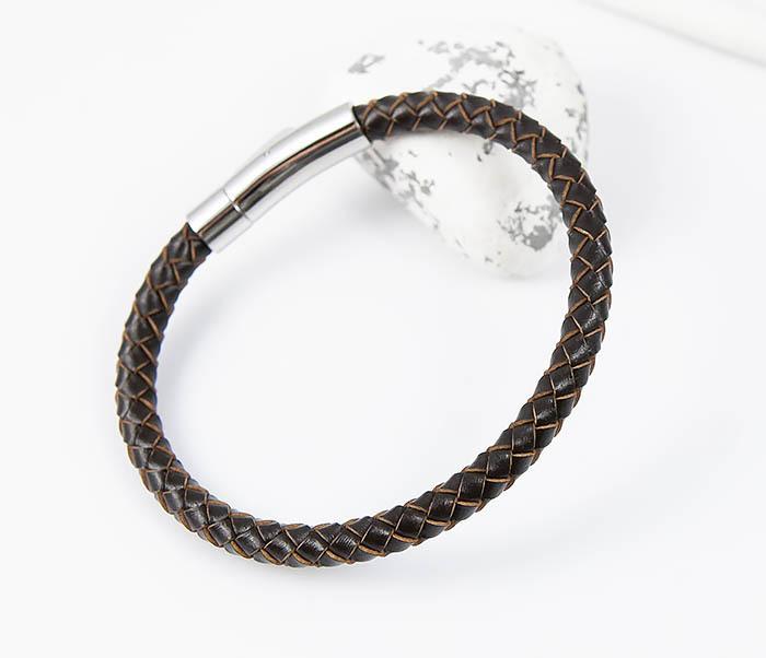 BM517-2 Браслет из коричневого шнура на застежке (22 см)