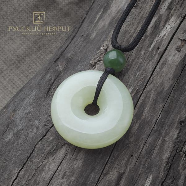 Диски Би Диск Би большой из буромского нефрита с бусиной из зелёного нефрита. diskBi_burom_bol_site2.jpg