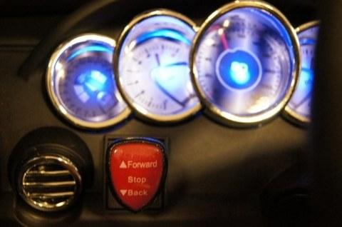 Детский электромобиль Rivertoys Merc E333KX черный E333KX-BLACK