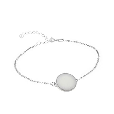 Серебряный браслет на цепочке с белым мрамором круглой формы