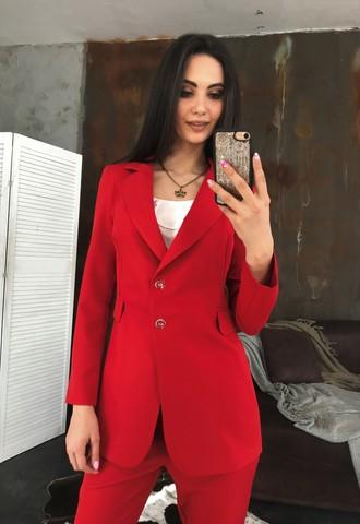 Классический пиджак на пуговицах. Красный