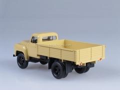 GAZ-52-04 beige 1:43 Nash Avtoprom