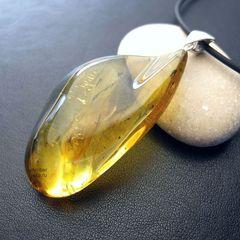 кулон из натурального прозрачного янтаря