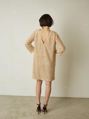 Платье с V-образным вырезом травка беж
