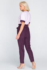 """<p>Модный костюм из льняных брюк """"чинос"""" и трикотажного верха с отделкой. Шикарно и современно.</p>"""