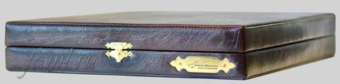 Подарочный футляр Classic из декоративной кожи для фамильного диплома А4