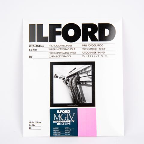 Фотобумага Ilford Multigrade IV RC De Luxe Glossy 13x18 см, 25 л.