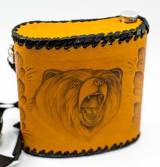 Фляга «Медведь», натуральная кожа с художественным выжиганием, 1 л, фото 2