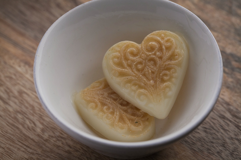 Мыло ручной работы Сердце с орнаментом. Форма пластиковая