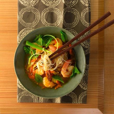 https://static-ru.insales.ru/images/products/1/6304/9689248/0395433001334144041_Rice_noodles___shrimp_soup.jpg