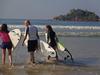 Уроки серфинга от локалов в Матаре