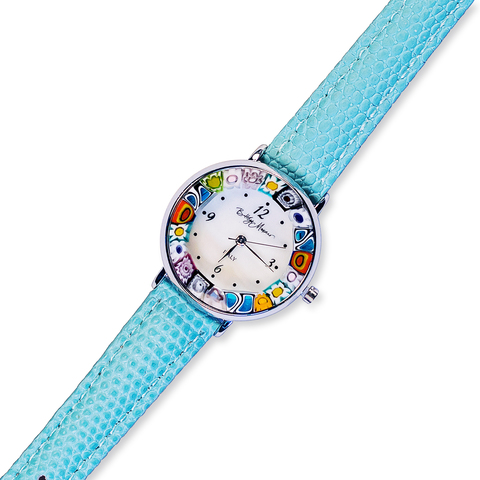 Часы на голубом кожаном ремешке с разноцветным циферблатом