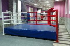 Ринг боксерский на помосте, разборный, помост 6х6м, высота 0.3м, боевая зона 5х5м.