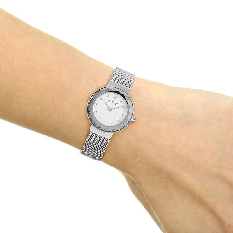 Часы skagen продать с маятником стоимость старинных часов