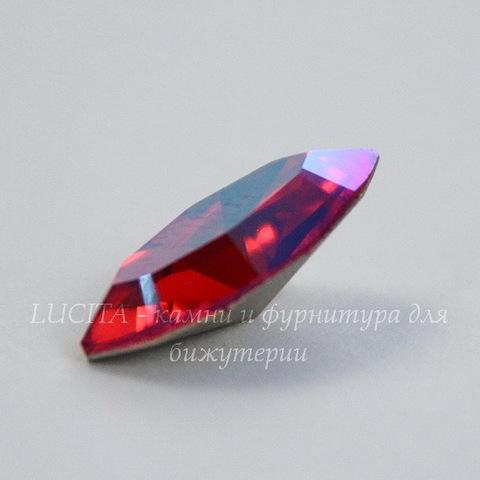 4228 Ювелирные стразы Сваровски Navette Light Siam Shimmer (15х7 мм)