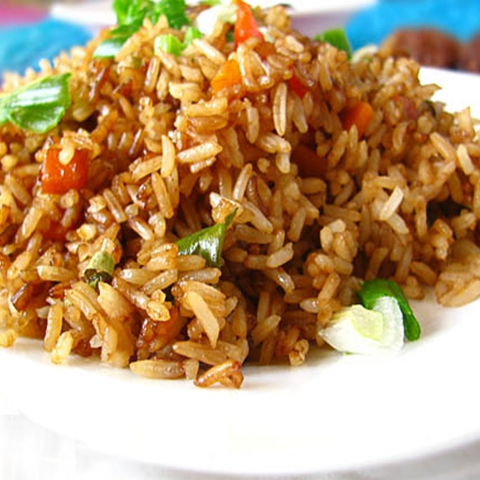 https://static-ru.insales.ru/images/products/1/6322/9689266/0141396001339239242_fried_rice.jpg