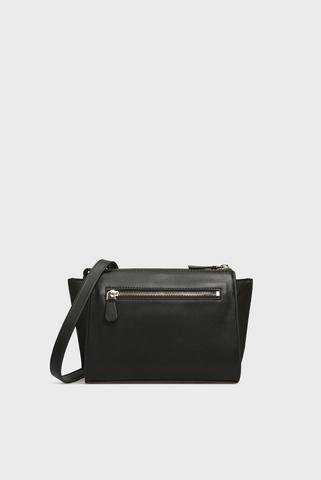 Женская черная сумка через плечо Guess