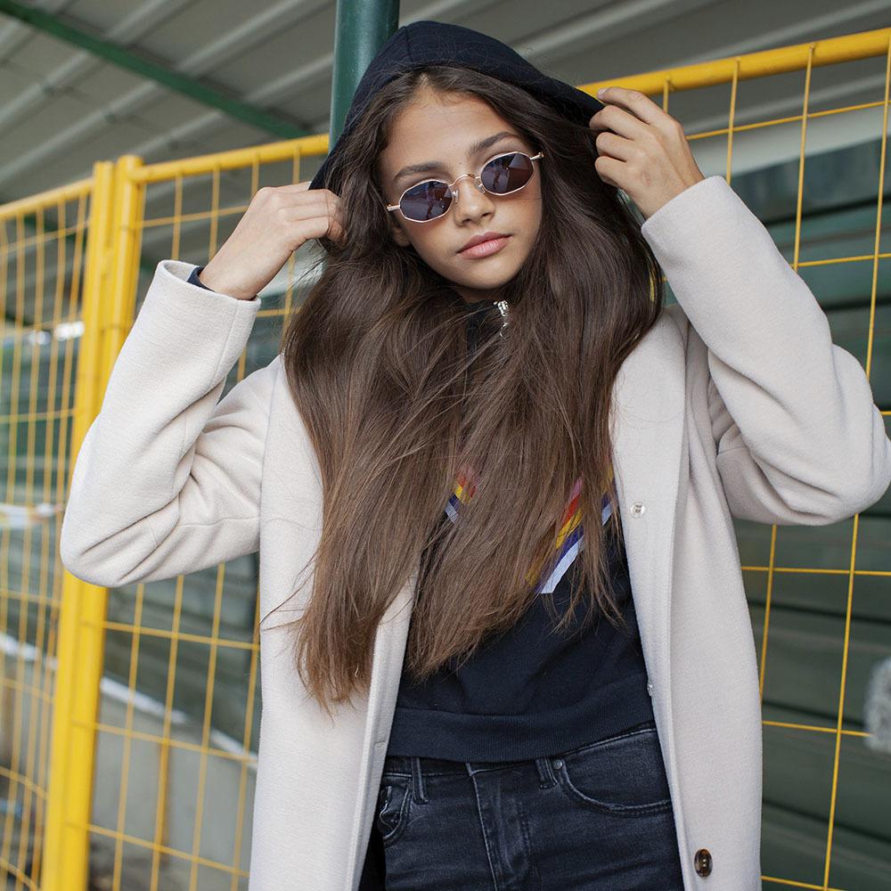 Подростковое кашемировое пальто белого цвета на девочку