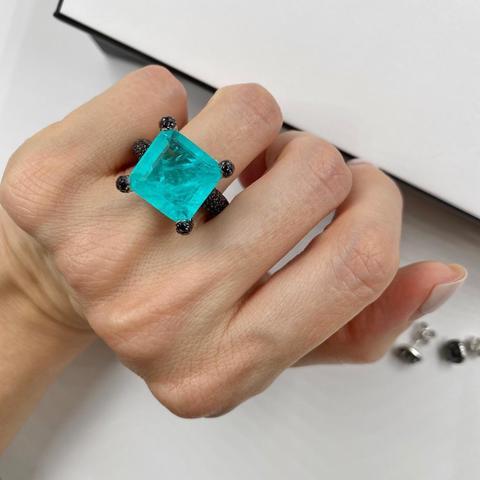 Кольцо из серебра с квадратным кварцем парабаиба и черными микроцирконами