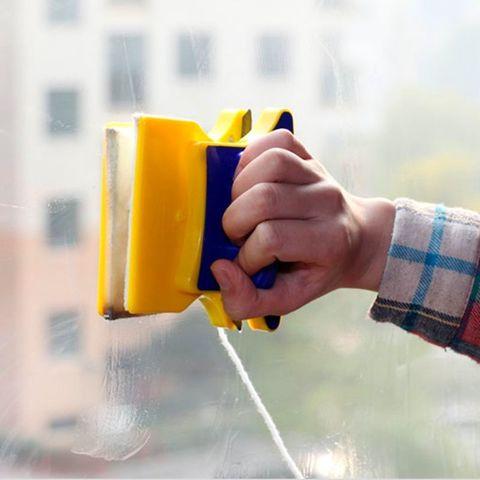 Магнитная щетка для двухстороннего мытья окон
