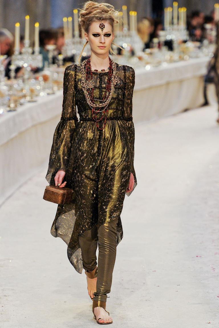 Легкие лосины золотистого цвета из индийской коллекции Chanel, 34 размер.