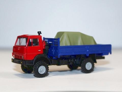 Auto 223013 Автомобиль бортовой с грузом 1/87