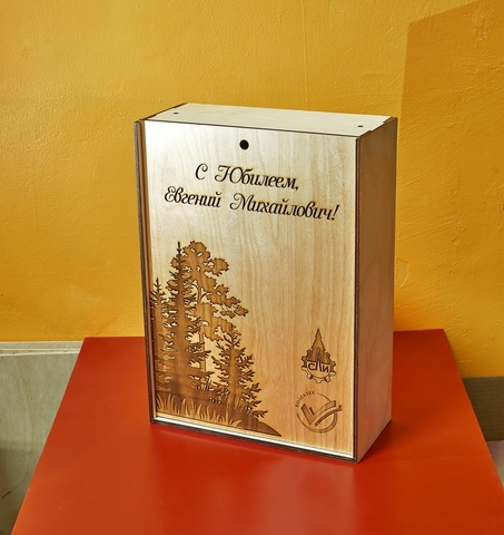 Коробка для вина, из дерева с фотогравировкой