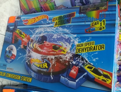 Огромная трасса Hot Wheels с водой
