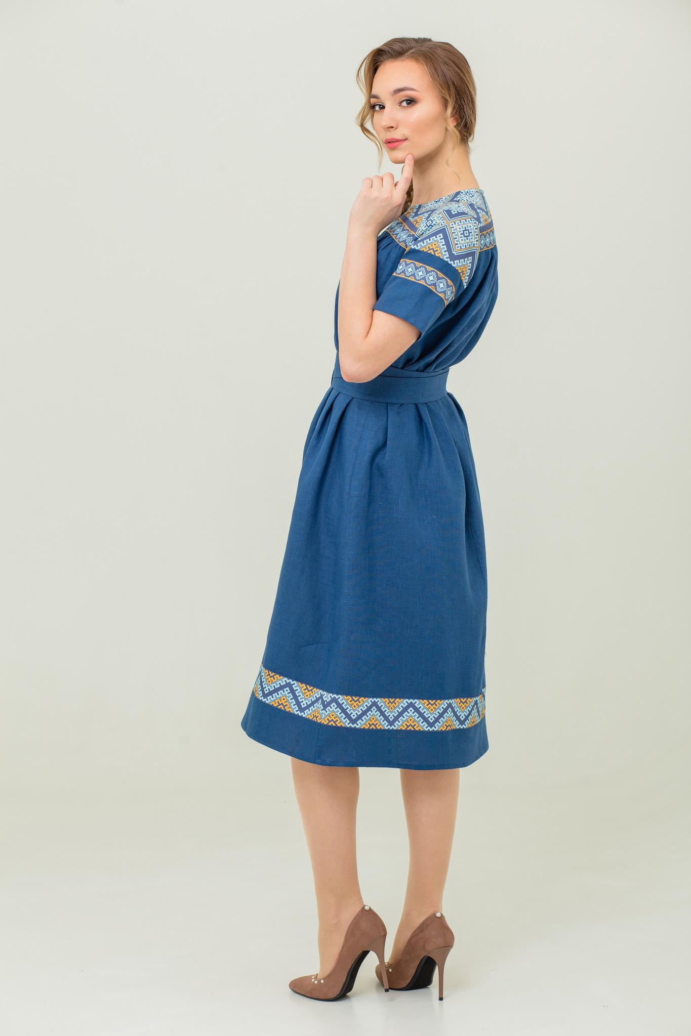 Льняное платье миди Каспийское с коротким рукавом
