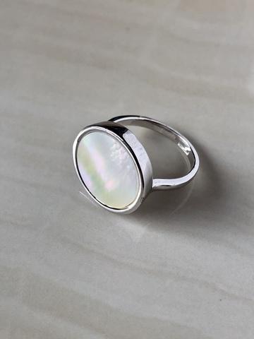 Кольцо Бернекс с перламутром, серебряный цвет