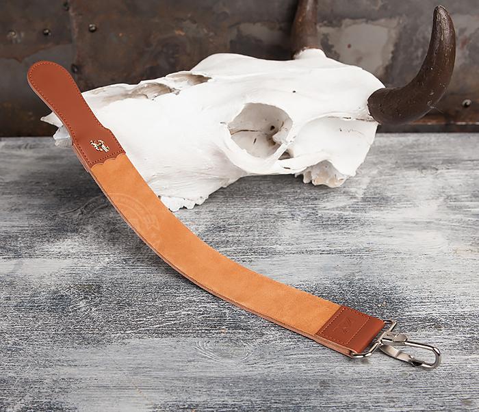RAZ105 Кожаный ремень для правки опасной бритвы с рукояткой